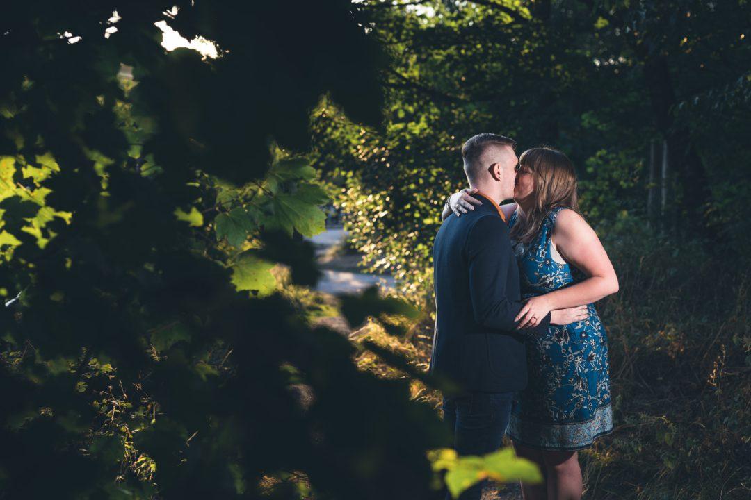 Richard and Becca kiss