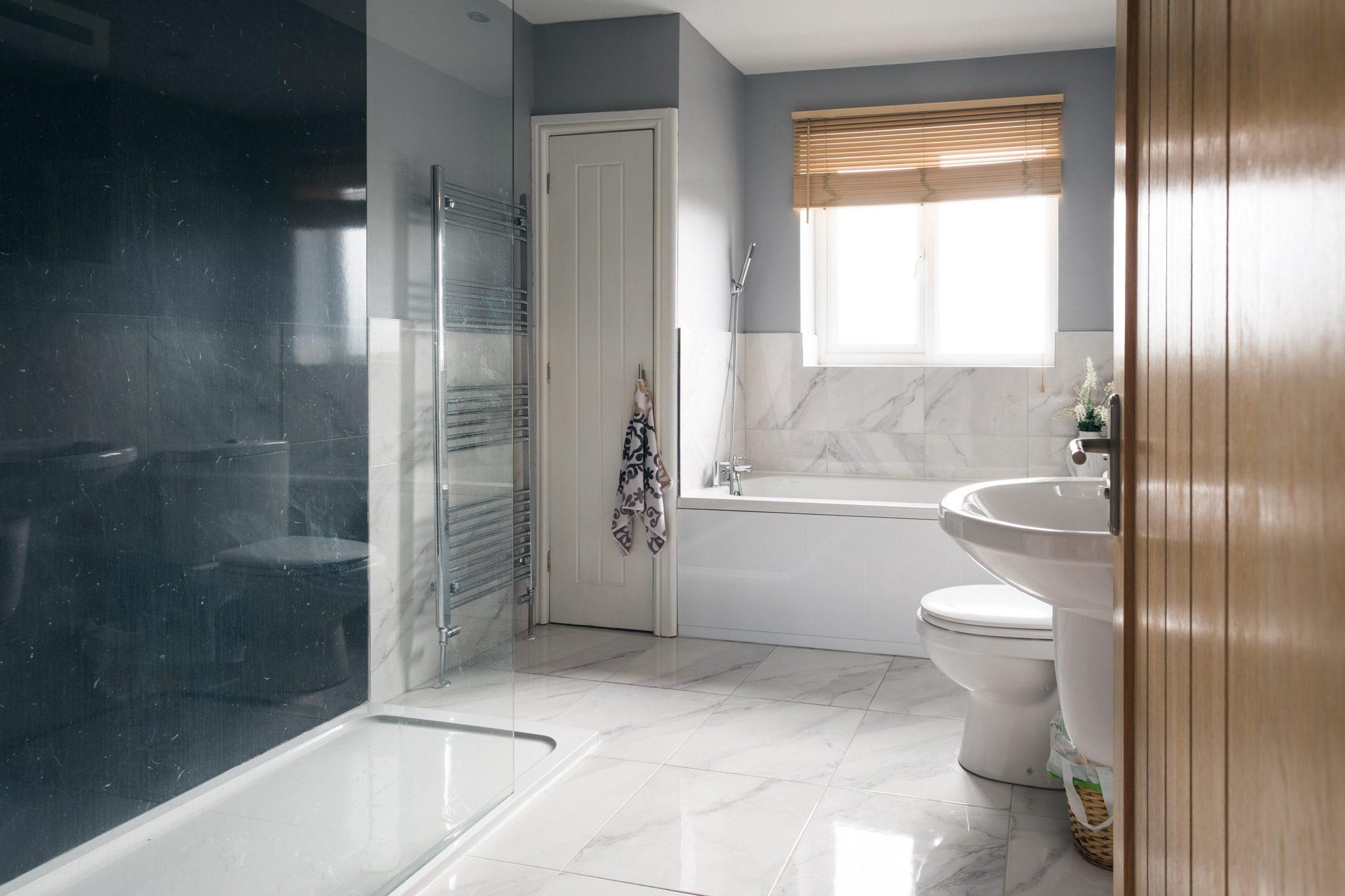 Real Estate - Bathroom